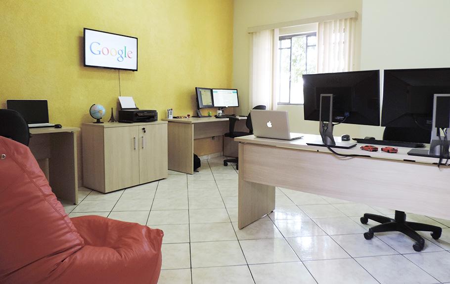 Sala de Desenvolvimento | JHT Solutions